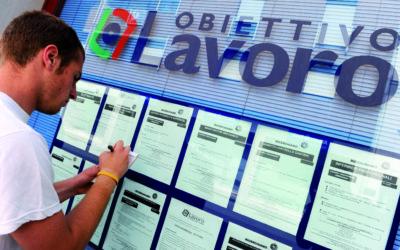 Disoccupazione in calo al 10,2% nel terzo trimestre secondo l'Istat